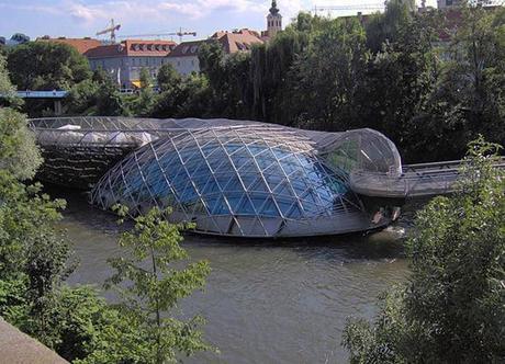 Puente Aiola Island