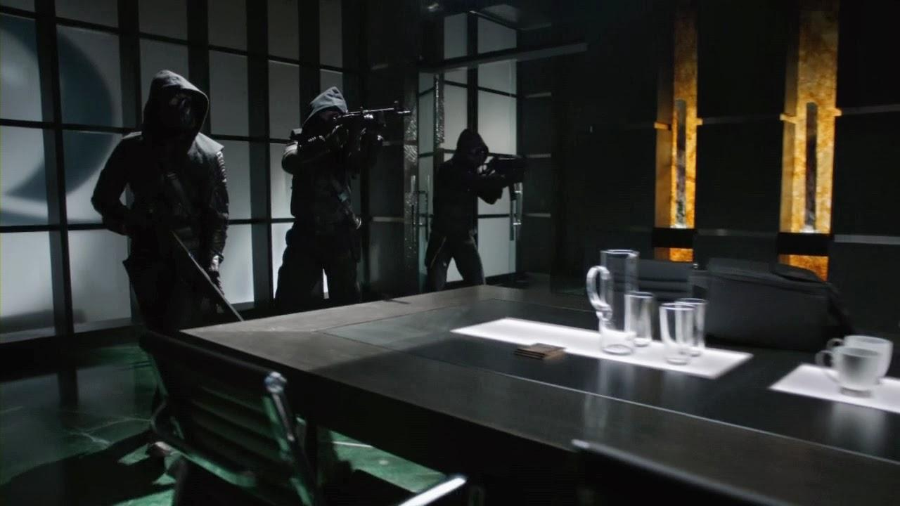 Review: Arrow S02 E01 - City Of Heroes