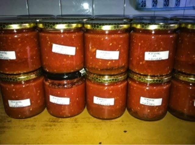 Resultat d'imatges de tomate en conserva