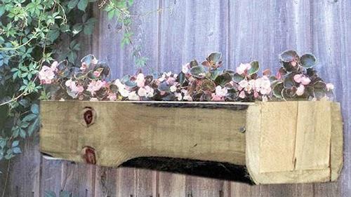 Plantar en jardineras de madera paperblog for Que plantas poner en una jardinera