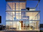 Vivienda cubierta grandes ventanales