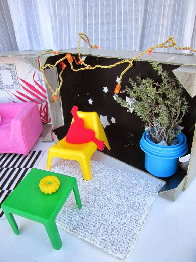 Deconi os jugando con las miniaturas huset de ikea for Cesped artificial ikea