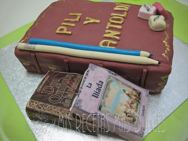 Tarta decorada libro antiguo paperblog - Como hacer un libro antiguo ...
