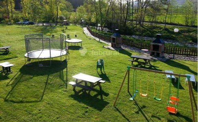 Vacaciones en familia casas rurales con ni os paperblog for Casa de jardin ninos