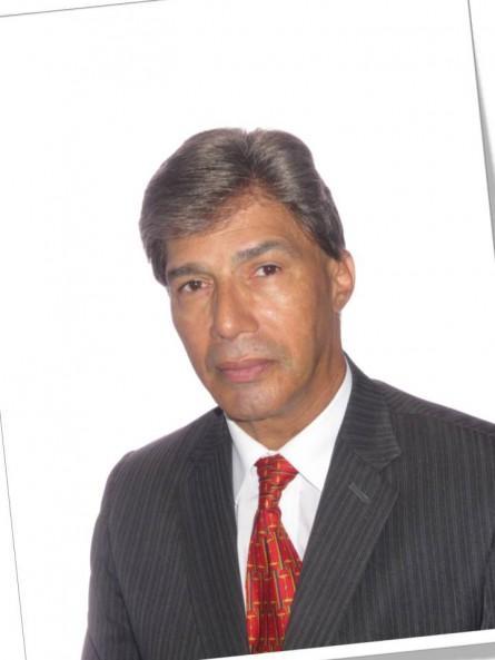 El Canciller de la Arquidiócesis de Bogotá Presbítero Ricardo Alonso Pulido Aguilar, ha certificado mediante escrito oficial de la Iglesia de Colombia, ... - maduro-es-hijo-extramatrimonial-padres-no-cas-L-hizc1y