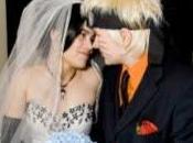 Casamiento naranja XII: novio cortejo