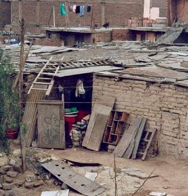 Informe OXFAM 2009-2010 acerca de la Pobreza y la Desigualdad en el Perú