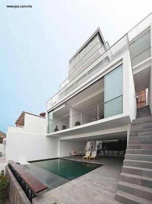 Casa moderna de playa entre medianeras paperblog for Fachadas de casas modernas entre medianeras