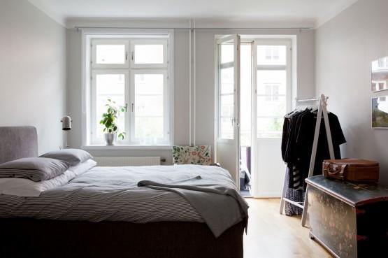 Paredes grises muebles blancos suelo de madera interiores pisos