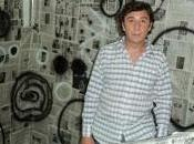 Diego Formía, Catorce adjetivos intentan entrar cuarta dimensión