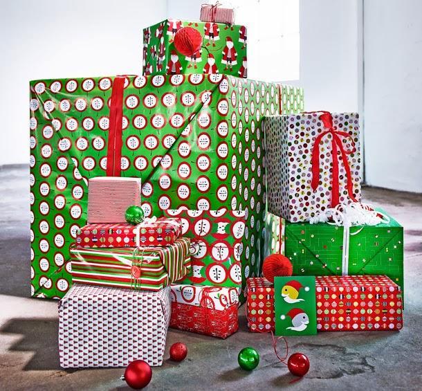 Tres diferentes decoraciones para navidad segun - Decoracion navidena ikea ...