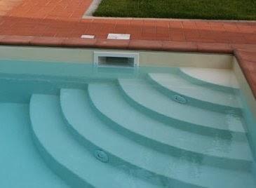 Los skimmers en las piscinas paperblog for Barredera piscina