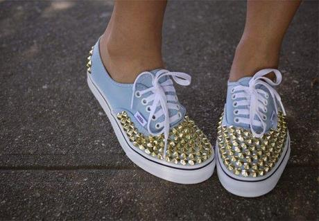 ideas-diy-zapatillas-tachuelas