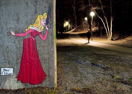 Street art con princesas Disney por los callejones