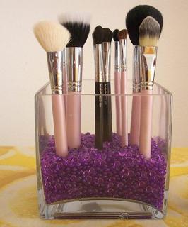 como ordenar las brochas de maquillaje