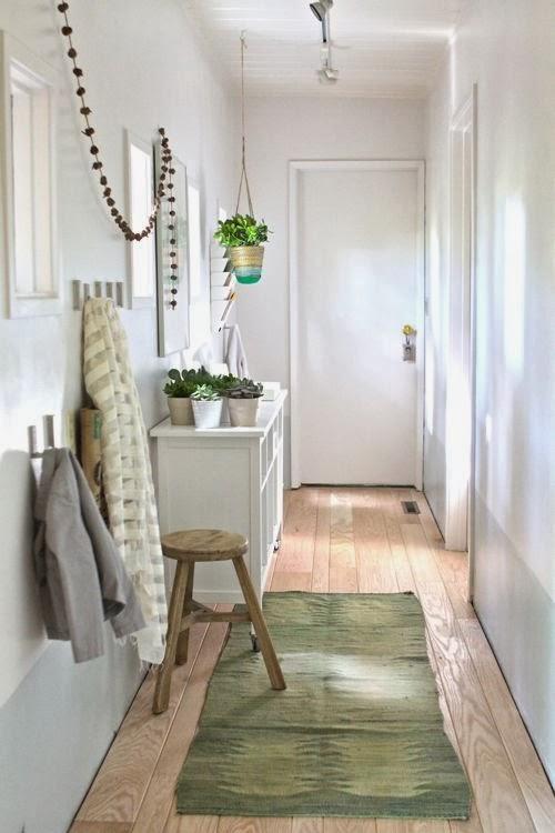 Un recibidor decorado con muebles de ikea paperblog - Casas decoradas con ikea ...