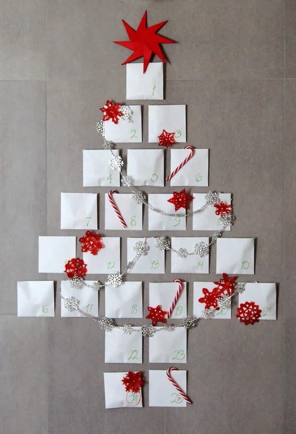 Arboles de navidad en la pared paperblog for Decorar puertas navidad infantil