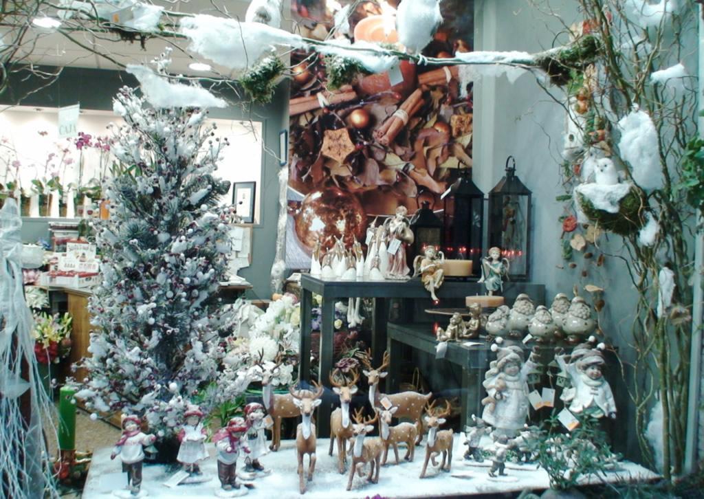 Decorar Escaparate De Navidad De Floristeria