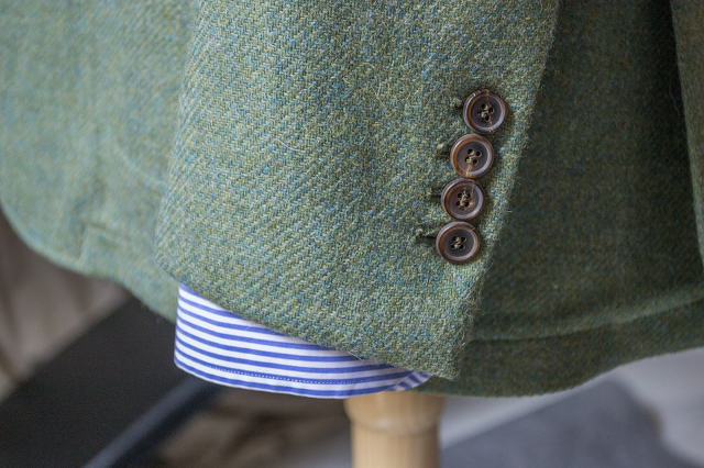 Review Americana tweed verde de López Aragón.