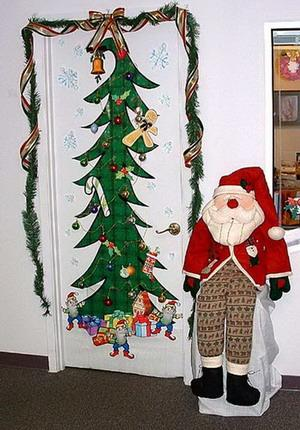 Decoraci n de puertas por navidad paperblog for Decoracion en puertas de navidad