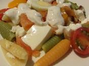 Ensalada caracolas pasta tricolor ahumados huevos codorniz