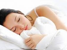 Cinco consejos para mejorar sueño mediante alimentación