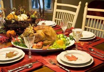 Lindas mesas para el d a de acci n de gracias paperblog for Decoracion de mesa para accion de gracias