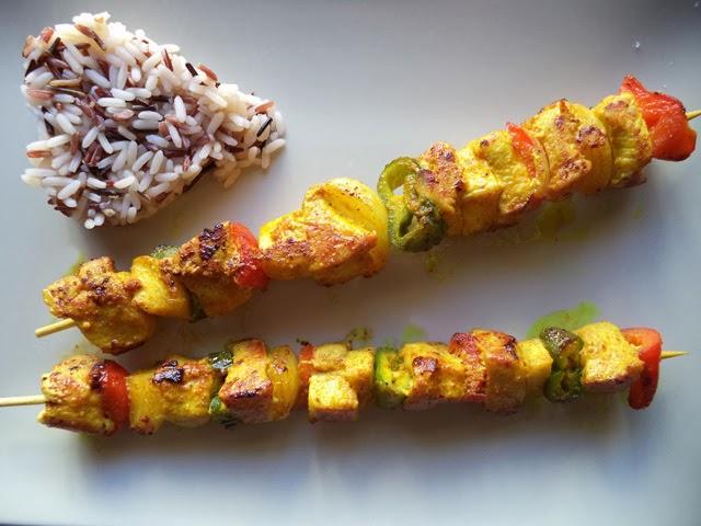 Brochetas de pollo y verduras paperblog - Como preparar pinchos de pollo ...