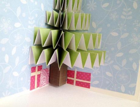 manualidades con papel para navidad postal navideña arbol 3D pop up