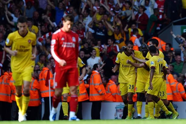 Arsenal, con complicidad de Reina, rescató un empate de Anfield Road