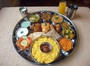 Comida india Thali, un plato vegetariano muy equilibrado.