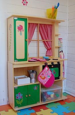 La casita de cuento de las hijas de sara paperblog for Cocina juguete imaginarium