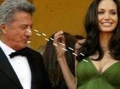 Dustin Hoffman vuelve Follen puerta trasera