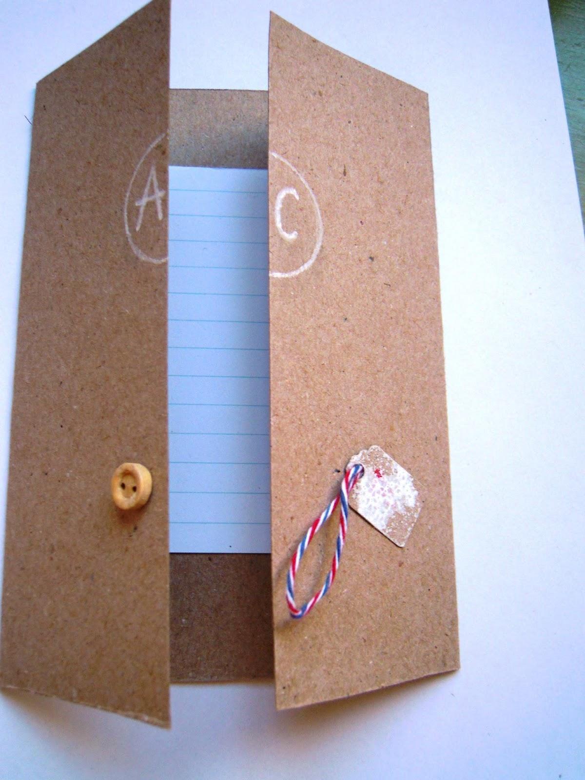 Invitaciones hechas a mano paperblog - Casas para belenes hechas a mano ...