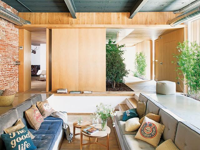 Un luminoso loft con un jardin interior paperblog - Casas con jardin interior ...