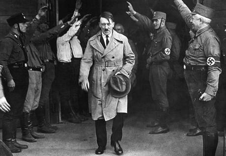 Sigmund Freud sugirió internación para Adolf Hitler cuando tenía 6 años