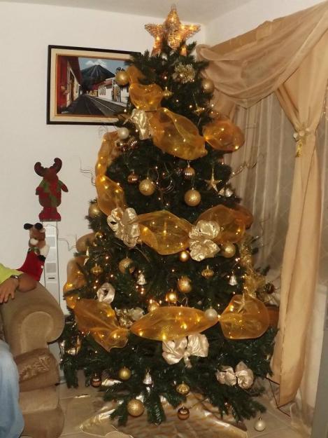 Lindos rboles de navidad dorados paperblog - Como adornar un arbol de navidad blanco ...