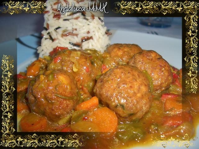 Alb ndigas de pollo y jam n en salsa con verduras paperblog for Albondigas de verduras
