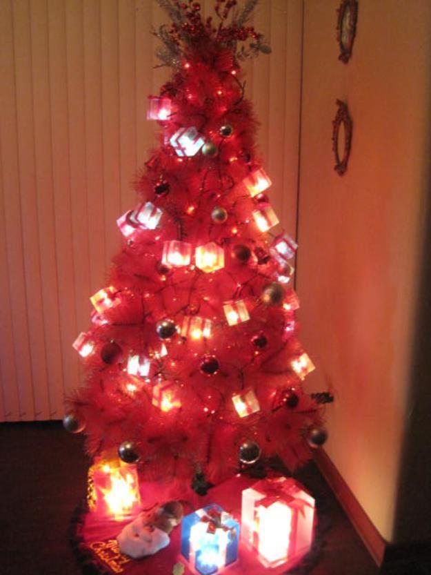 Lindos rboles de navidad en color rojo paperblog - Arboles de navidad dorados ...