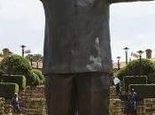 estatua gigante Nelson Mandela