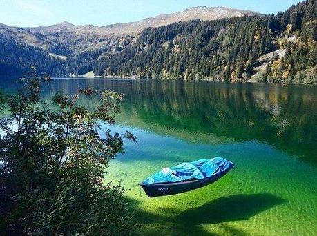 Lago Flathead, las aguas más transparentes del mundo Un-lago-transparente-L-GCLiN2