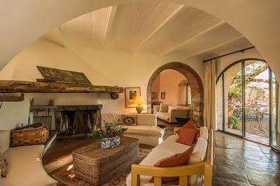 Casa rustica de piedra en chianti paperblog - Fotos de interiores de casas rusticas ...