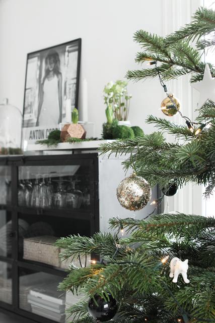 Elegante decoracion navide a nordica paperblog for Decoracion navidena elegante