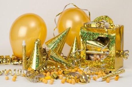 Cotillón de fin de año en color dorado - La Bolsera