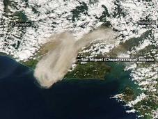 Erupción volcán Miguel (Chaparrastique) desde espacio