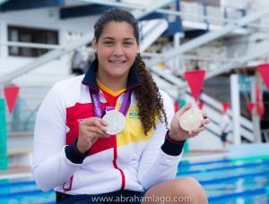 Lorena posa con sus dos últimas medallas