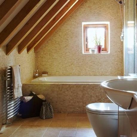 Novedosos ba os en el tico o buhardilla paperblog for Barn conversion bathroom ideas