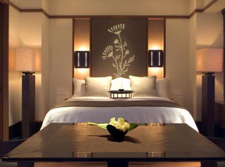 Lindos vinilos decorativos para tu dormitorio paperblog - Cuadros encima cabecero cama ...