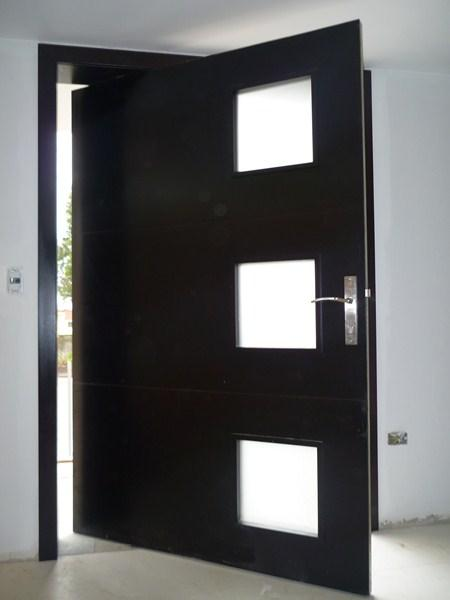 Puertas estilos modelos funciones de las puertas for Puertas de ingreso principal modernas