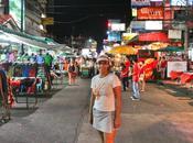 Caminando Khao Road Bangkok Tailandia